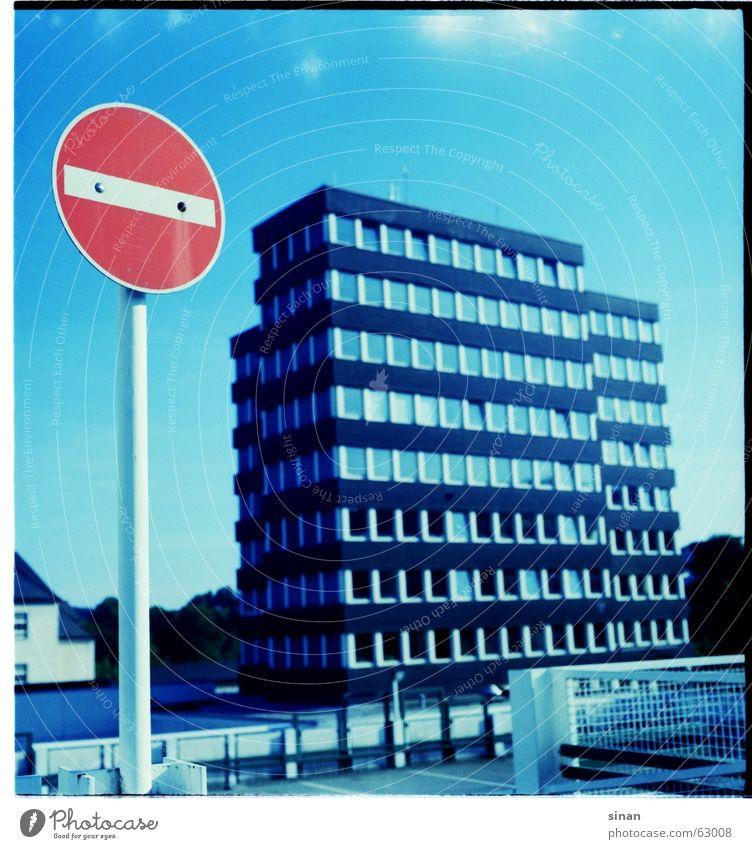 olper rathaus cross Himmel blau Wolken Straße Gebäude Schilder & Markierungen Verkehr Verbote Dia Einfahrt Rathaus Parkdeck