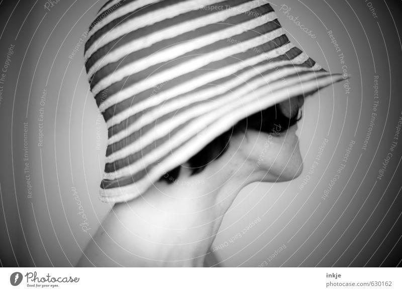 Vignette Mensch Frau Ferien & Urlaub & Reisen schön Sommer Erholung ruhig Erwachsene Leben feminin Stil Kopf Linie Mode elegant Lifestyle