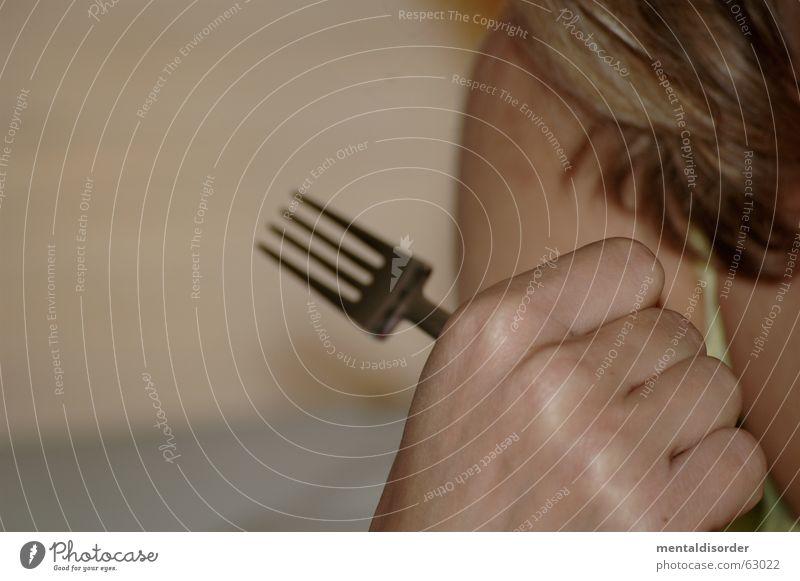 gib mir meine sauren gurken zurück ... Gabel Hand Frau Finger Faust Hemd Träger Wand Skelett Griff Ernährung Arme Haare & Frisuren Haut Fußknöchel Spitze fangen