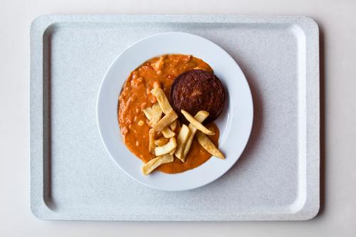 Mensa: gesunde Gelb-Braun-Tellermischung I gelb Essen braun Lebensmittel Schule gold Ernährung Tisch lernen Studium Student lecker Übergewicht Geschirr