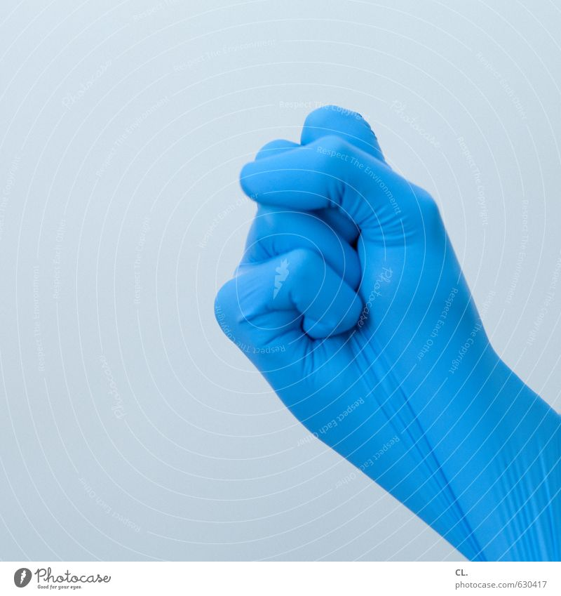bereit wenn du es bist Mensch blau Hand Kraft Finger Sauberkeit Reinigen Sicherheit Schutz Handschuhe Faust Gummi Operation drohen drohend Latex