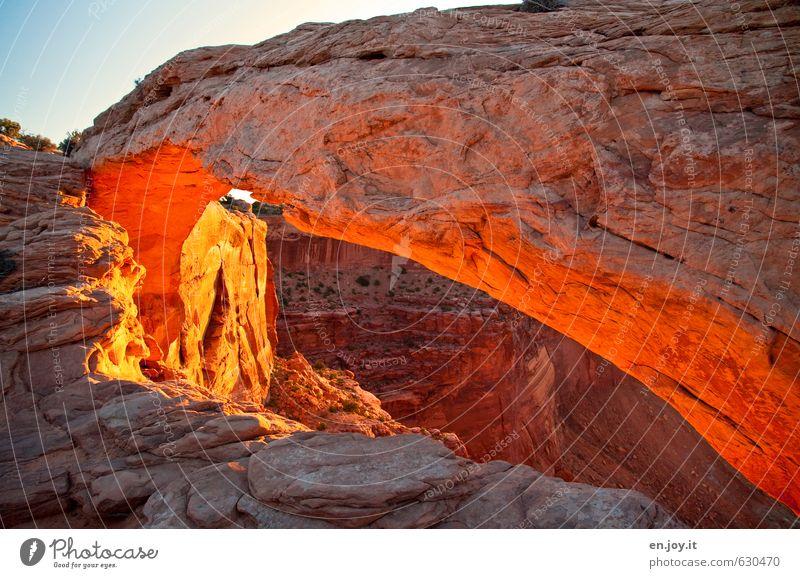 mal so rum Himmel Natur Ferien & Urlaub & Reisen blau Landschaft außergewöhnlich Felsen braun orange leuchten fantastisch Abenteuer USA entdecken Amerika Felsbogen