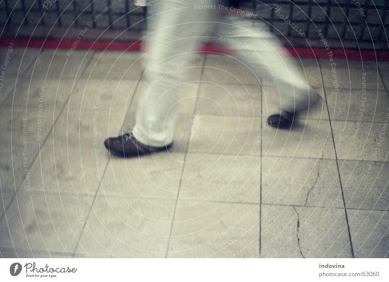 walk walk walk Stress U-Bahn fast moving legs