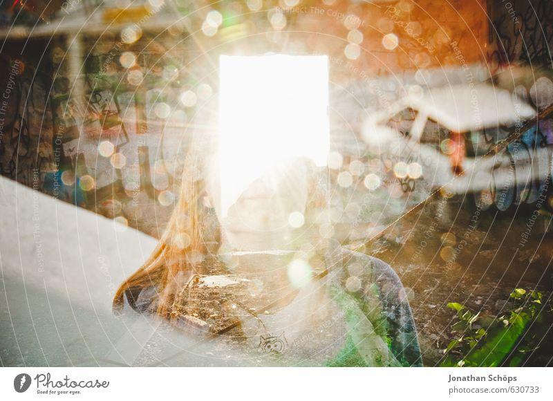 Erleuchtung Mensch feminin Frau Erwachsene Kopf 1 18-30 Jahre Jugendliche Teneriffa Spanien Kanaren ästhetisch hell Mädchen leuchten Erkenntnis Tür