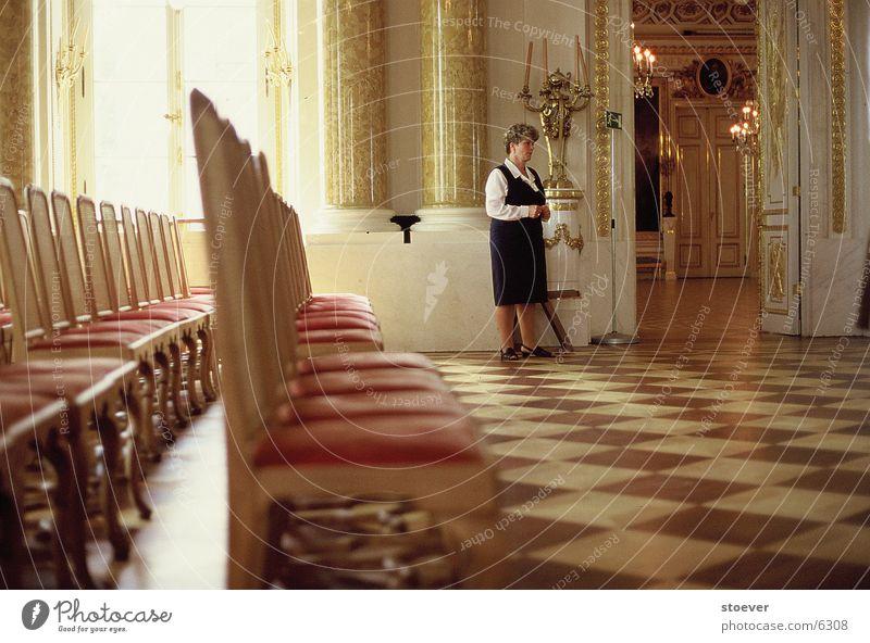 Stuhlreihe Warschau Warszaw Sitzreihe Europa Warszawa Burg oder Schloss Dame Wärter gold Polen