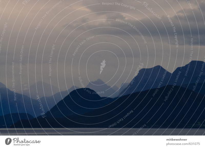 Mystic Mountain Himmel Ferien & Urlaub & Reisen Einsamkeit Landschaft Wolken Winter Ferne Berge u. Gebirge Schnee Herbst Küste Freiheit Horizont Wetter Regen