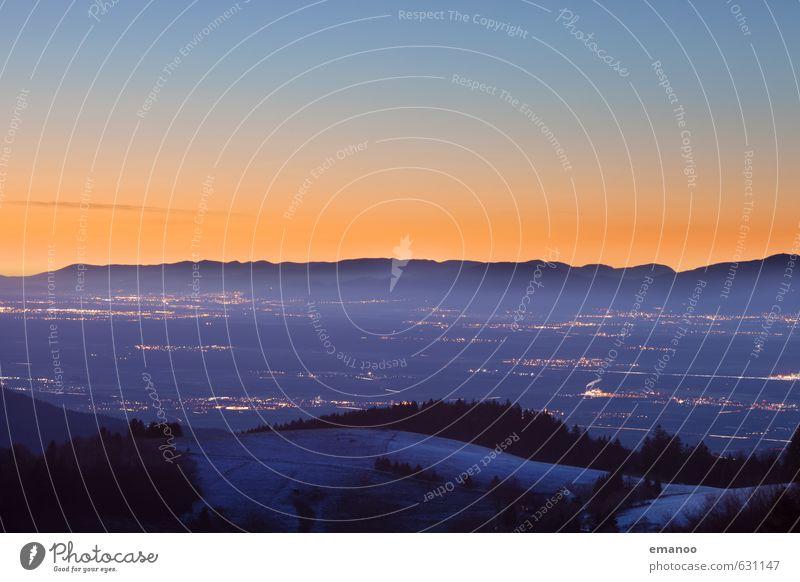 Lichter des Tals Himmel Natur Ferien & Urlaub & Reisen blau Landschaft Winter Ferne kalt Wald Berge u. Gebirge Schnee Freiheit Eis Wetter orange Tourismus