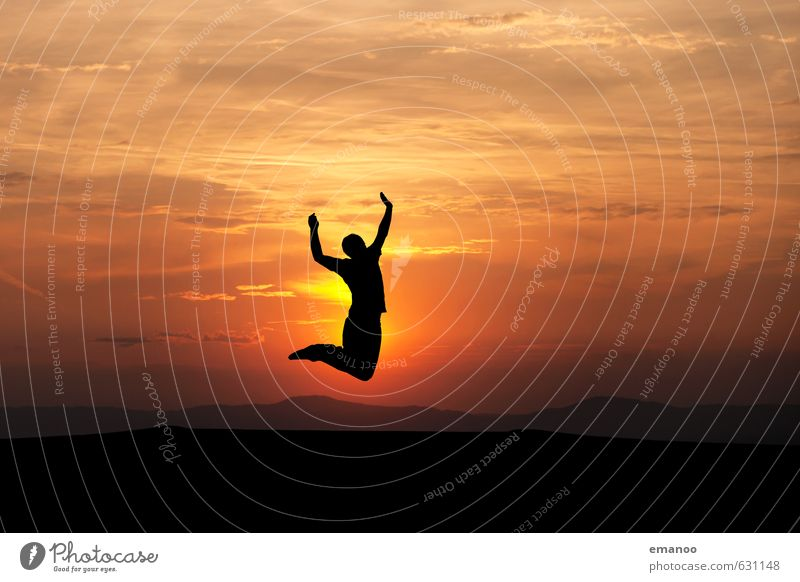 Freudensprung 17 Mensch Himmel Jugendliche Ferien & Urlaub & Reisen Mann Sommer Sonne Ferne schwarz gelb Erwachsene Gefühle Sport Stil Freiheit