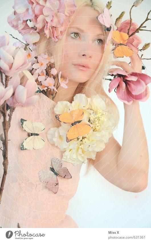 Sehnsucht nach Frühling Mensch Natur Jugendliche schön Pflanze Junge Frau Blume 18-30 Jahre Gesicht Erwachsene Gefühle feminin Blüte Stimmung rosa