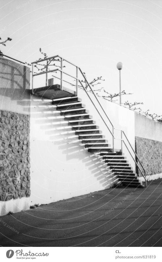 rheintreppe Stadt Menschenleer Architektur Mauer Wand Treppe Verkehr Verkehrswege Fußgänger Wege & Pfade Beginn Ziel Zukunft abwärts aufwärts Treppengeländer
