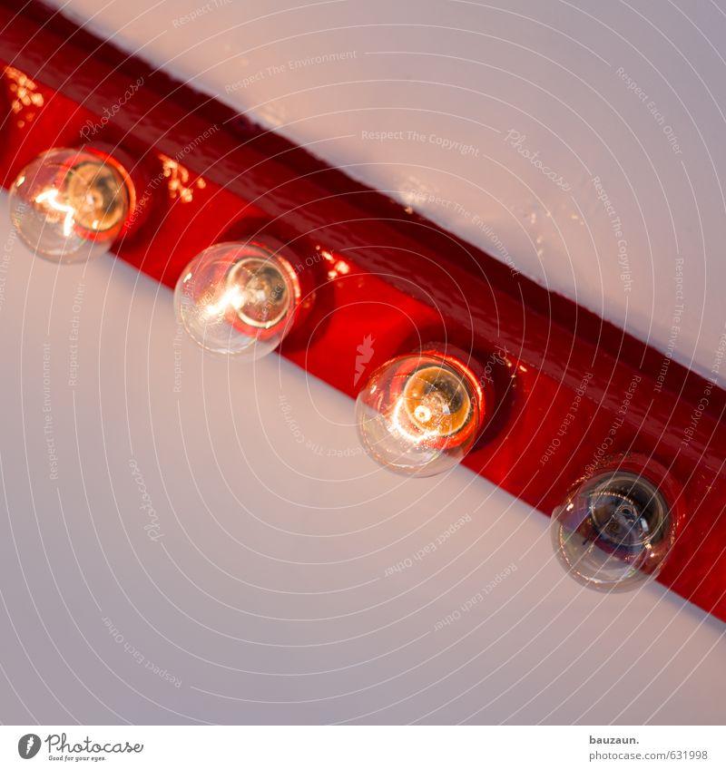 ausfallerscheinung. rot Holz Lampe Feste & Feiern Linie Party Wohnung Kraft Häusliches Leben leuchten Glas gefährlich Energie Beginn Vergänglichkeit Wandel & Veränderung