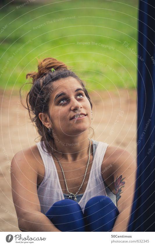 Alles gute kommt von oben Freude Gesundheit harmonisch Wohlgefühl Zufriedenheit ruhig Meditation Fitness Sport-Training feminin Junge Frau Jugendliche
