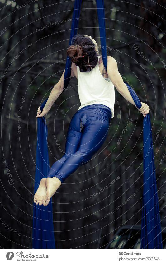 Die fliegende Fee Mensch Frau Kind Jugendliche blau Erholung ruhig 18-30 Jahre Erwachsene Erotik Sport Gesundheit Stimmung Freizeit & Hobby Körper
