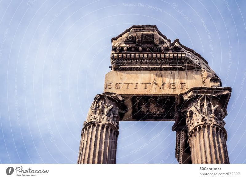 Ruinen in Rom Ferien & Urlaub & Reisen Stadt Ferne Leben Senior Freiheit Kraft Tourismus Beginn Zukunft Macht Abenteuer Italien Hauptstadt Sehenswürdigkeit
