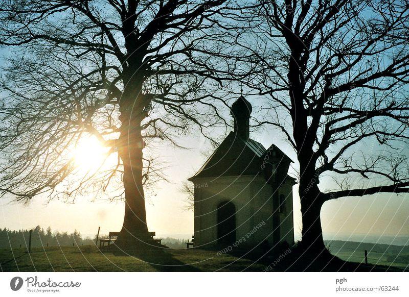 Maria Dank Kapelle mit Sonnenuntergang Himmel Baum blau Stimmung