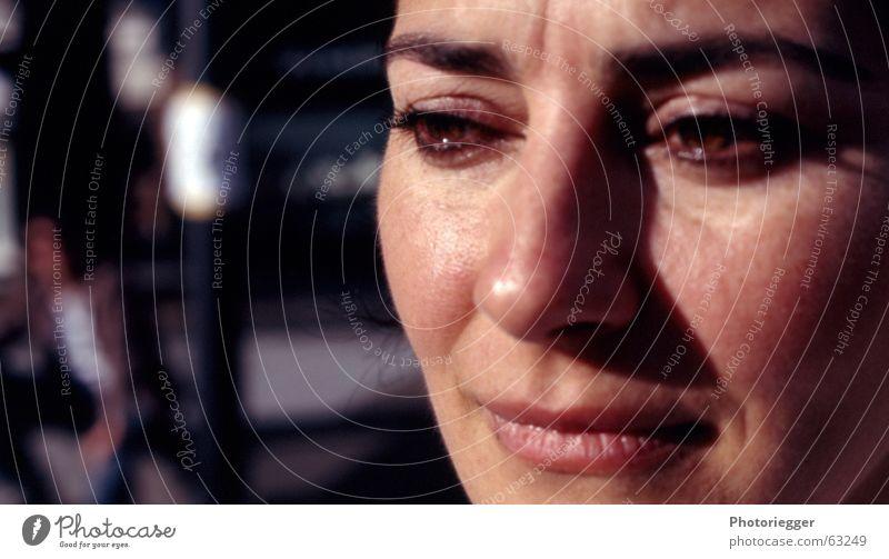 a sad moment Trauer Wange Augenbraue Lippen Denken Gesicht Nase Mund Tränen nachdenken