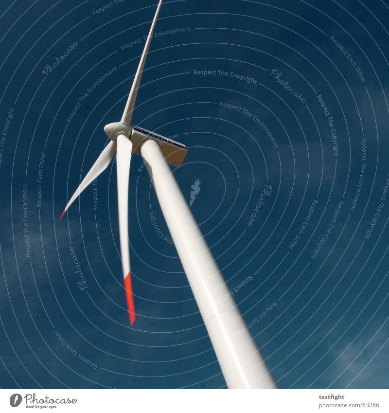 himmel Windkraftanlage alternativ Elektrizität Umwelt ökologisch Erneuerbare Energie Energiewirtschaft Bewegung Himmel blau motion