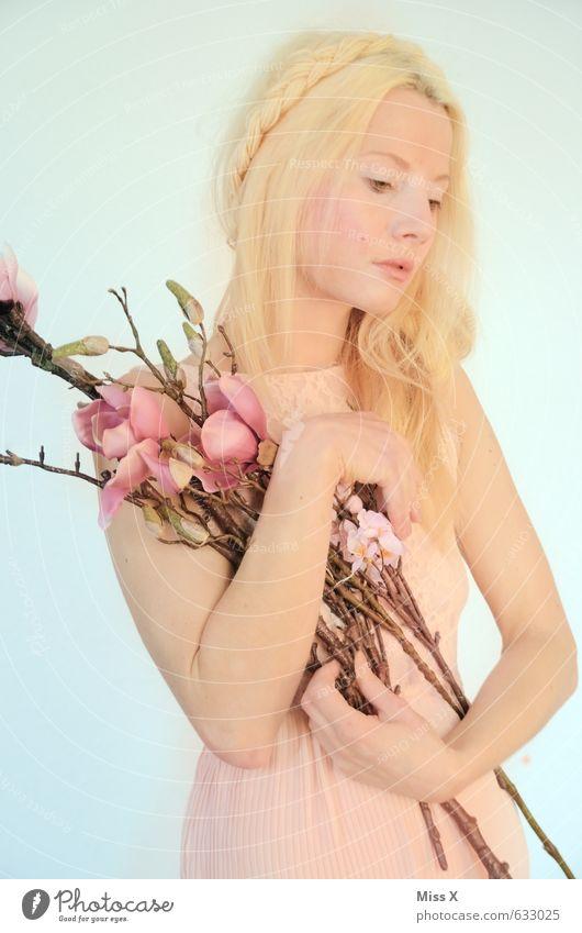 love love love schön Mensch feminin Junge Frau Jugendliche 1 18-30 Jahre Erwachsene Frühling Blume Blüte Kleid Haare & Frisuren blond Gefühle Stimmung