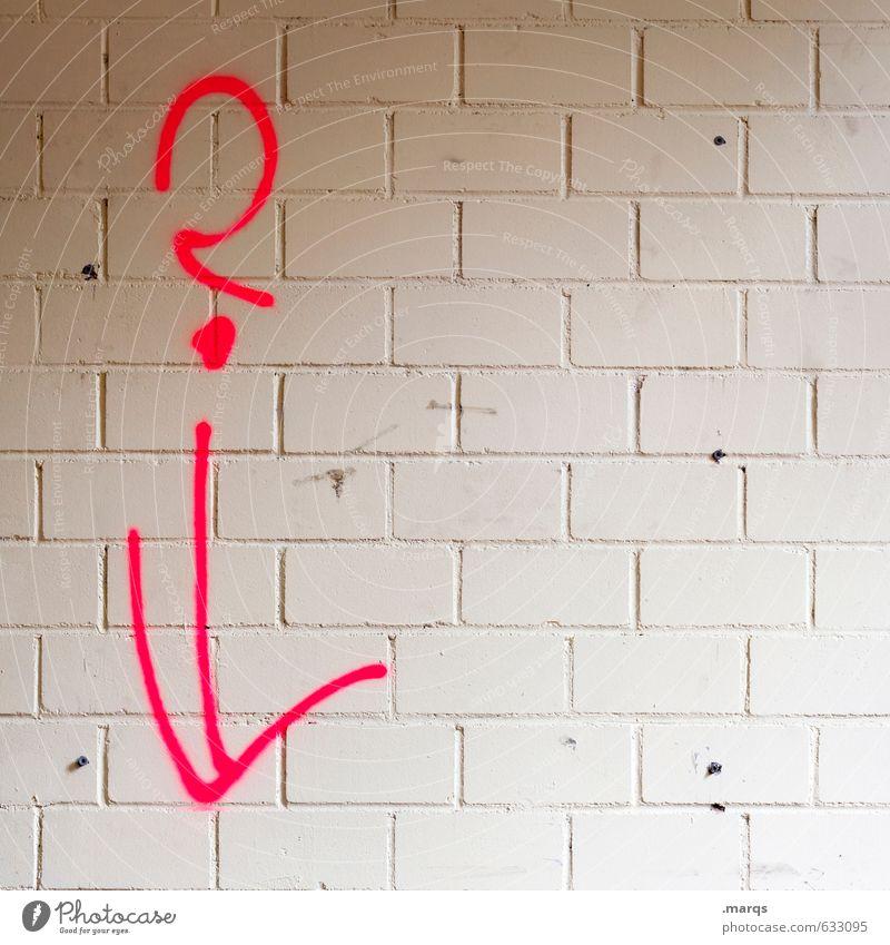 ? weiß rot Wand Mauer einfach Kommunizieren Baustelle Zeichen Pfeil skurril Fragen Backsteinwand Fragezeichen
