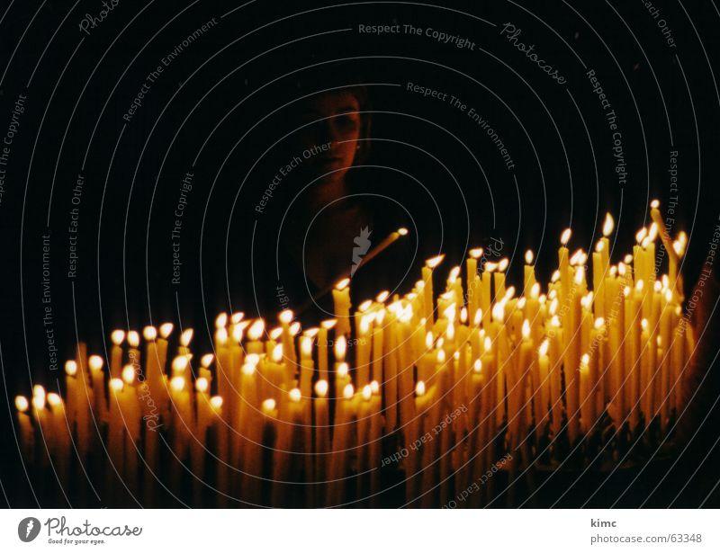 erinnerungen... Frau Himmel dunkel Tod Denken Religion & Glaube Hoffnung Trauer Kerze Italien Sehnsucht Erinnerung Christentum Kathedrale erinnern Mailand