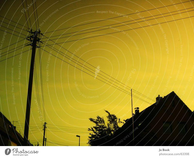 Urban Network Himmel Baum Haus Elektrizität Netzwerk Strommast Leitung elektronisch Infrastruktur