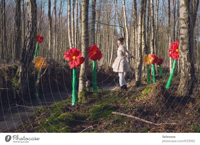 Frühlingsfreude Mensch Frau Natur Jugendliche Pflanze Sonne Baum Erholung Blume Landschaft 18-30 Jahre Wald Erwachsene Umwelt feminin Frühling
