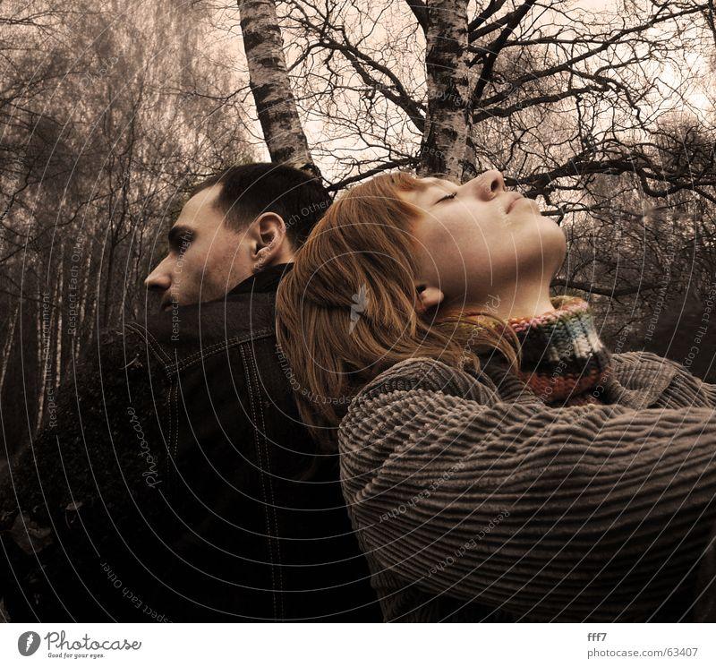 Fruehling im Moskau Frau Mensch Mann Baum Liebe Wald springen Kreativität