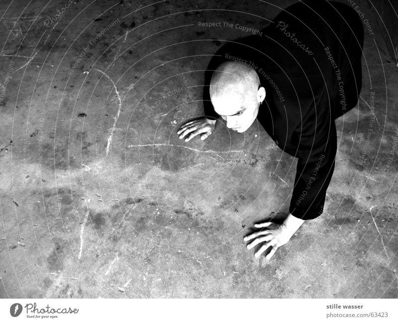 NOSFERATU kalt Beton skurril Glatze Blut Mantel krabbeln Vampir Gier Dracula Nosferatu