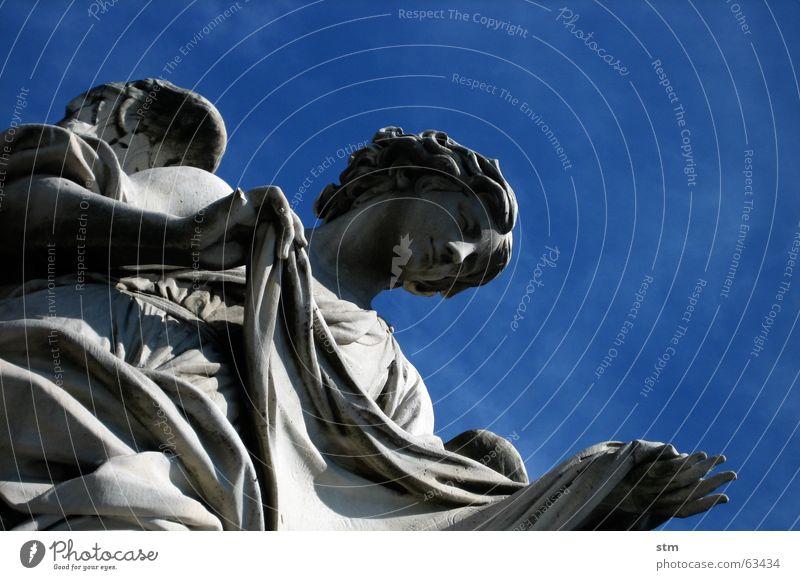 roma capoccia 3 Stein Engel Skulptur Rom