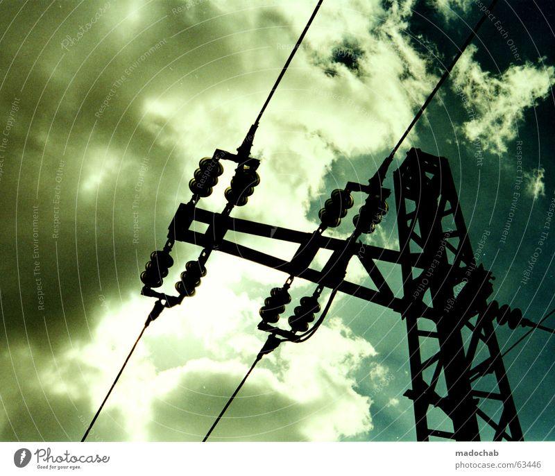 AUFGELADEN | energie energy power strom himmel sky heaven Himmel Natur blau weiß Sonne Sommer Farbe Wolken schwarz ruhig dunkel oben Wetter Kraft Angst Energiewirtschaft