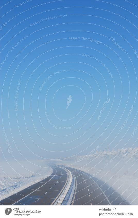 der lange Weg... Tourismus Ausflug Winter Schnee Güterverkehr & Logistik Natur Landschaft Wolkenloser Himmel Eis Frost Feld Wald Menschenleer Verkehr