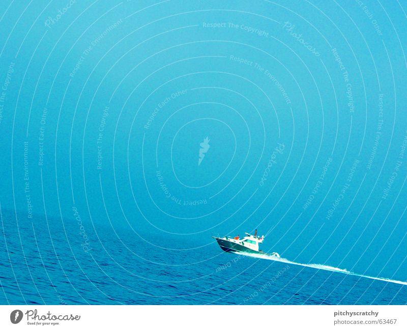 Gegen die Strömung, gegen den Wind! Wasser Meer blau oben Wasserfahrzeug aufwärts Schifffahrt gegen Mittelmeer Fischerboot Kahn Schlepper