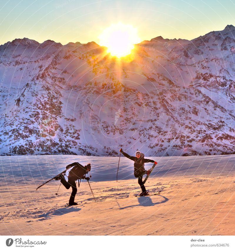 SonnenGletscher Mensch Natur Jugendliche Landschaft Freude 18-30 Jahre Winter Erwachsene Berge u. Gebirge Schnee Bewegung Sport Glück außergewöhnlich Stimmung