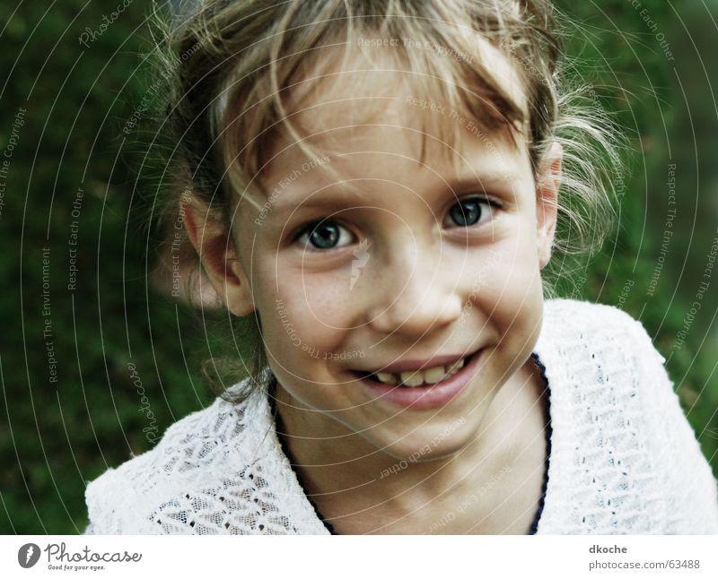Klara Kind Mädchen Sommer Auge Spielen Glück Fröhlichkeit