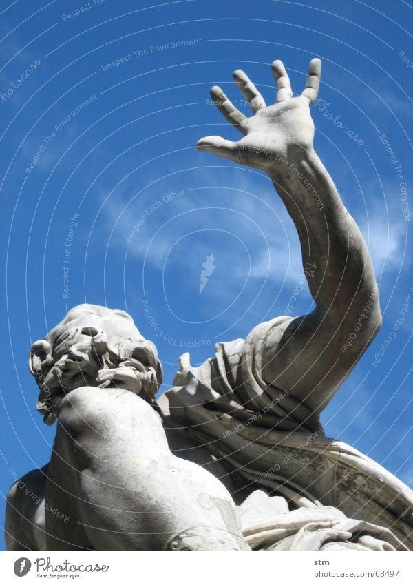 roma capoccia 4_v Hand blau grau Stein Brunnen Statue Skulptur gestikulieren