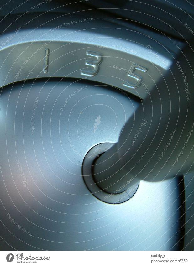 1, 3, 5 Aluminium Verkehr Ziffern & Zahlen Gangschaltung Makroaufnahme
