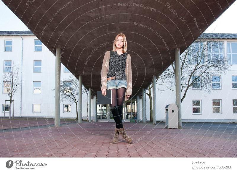 #635203 Stil Schule lernen Schulgebäude Schulhof Berufsausbildung Studium Student Junge Frau Jugendliche Leben 1 Mensch 13-18 Jahre Kind Gebäude Mode Erholung