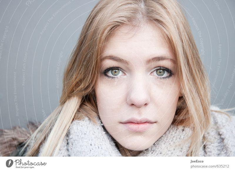 #635212 schön Haare & Frisuren Gesicht Junge Frau Jugendliche Mensch 13-18 Jahre Kind blond langhaarig beobachten entdecken Erholung träumen authentisch