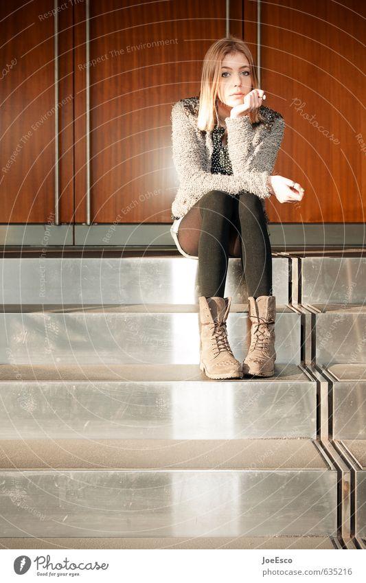 #635216 Stil Schule Berufsausbildung Studium Student Prüfung & Examen Frau Erwachsene Leben Mensch Mode blond beobachten träumen Traurigkeit warten trendy