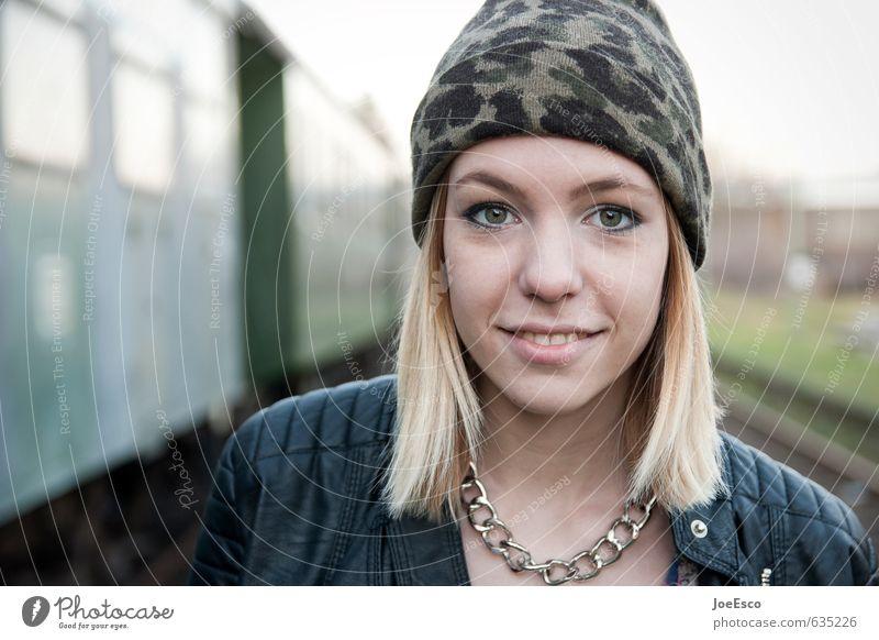#635226 Frau Jugendliche schön Freude 18-30 Jahre Gesicht Erwachsene Wärme lachen Stil Glück natürlich Kraft Zufriedenheit blond frei