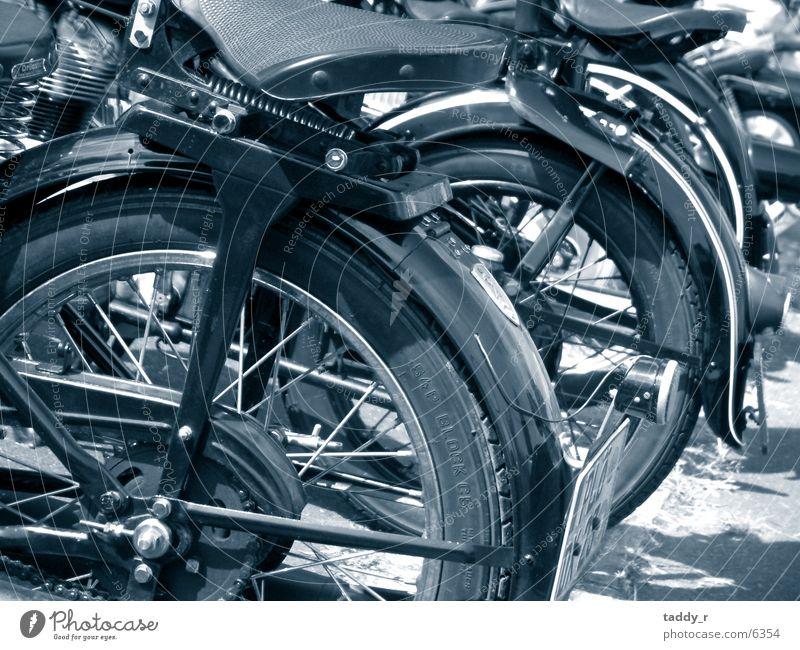 Old Time Bikes Motorrad Verkehr Speichen alt Sattel