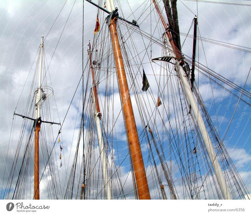 Takelage Segelschiff Schifffahrt Himmel oben hoch Strommast