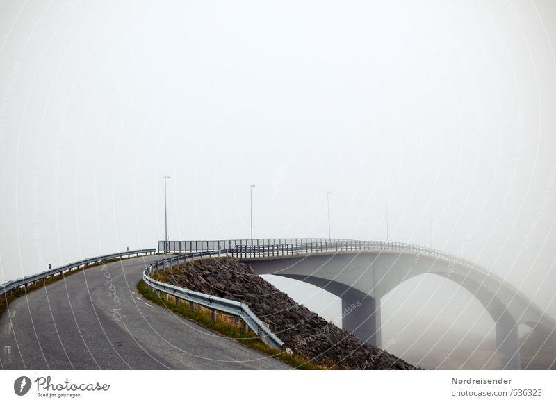 Wege ins Nichts.... Ferne Nebel Menschenleer Brücke Bauwerk Architektur Verkehrswege Straße Wege & Pfade Hochstraße Beton fahren dunkel grau Einsamkeit