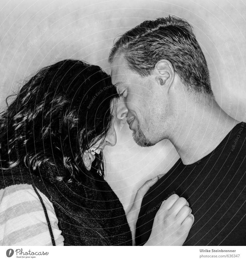 I'm your Valentine! Feste & Feiern Valentinstag Mensch maskulin feminin Junge Frau Jugendliche Junger Mann Erwachsene Paar Leben Kopf Hand 2 18-30 Jahre
