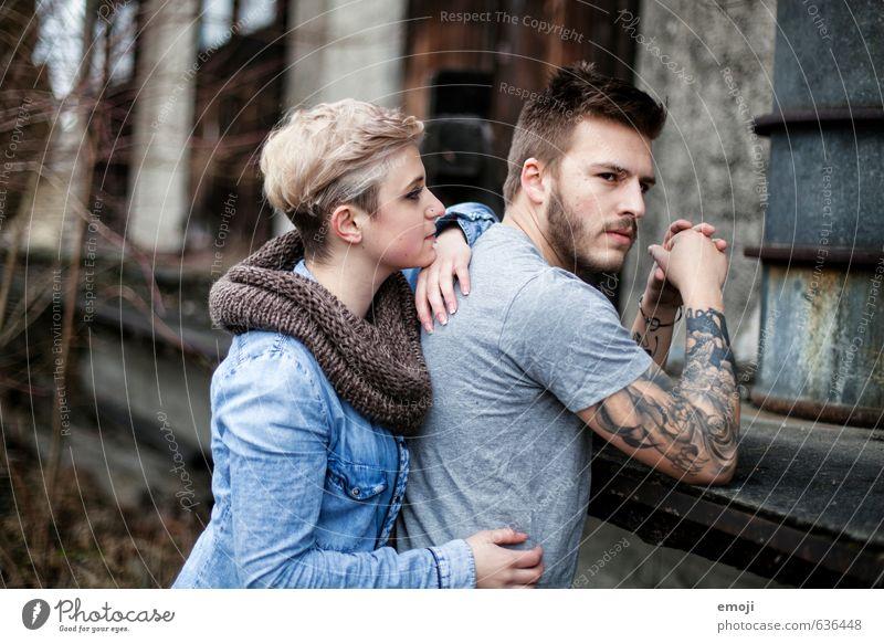 she & he maskulin feminin Junge Frau Jugendliche Junger Mann Freundschaft Paar 2 Mensch 18-30 Jahre Erwachsene trendy schön einzigartig Farbfoto Außenaufnahme