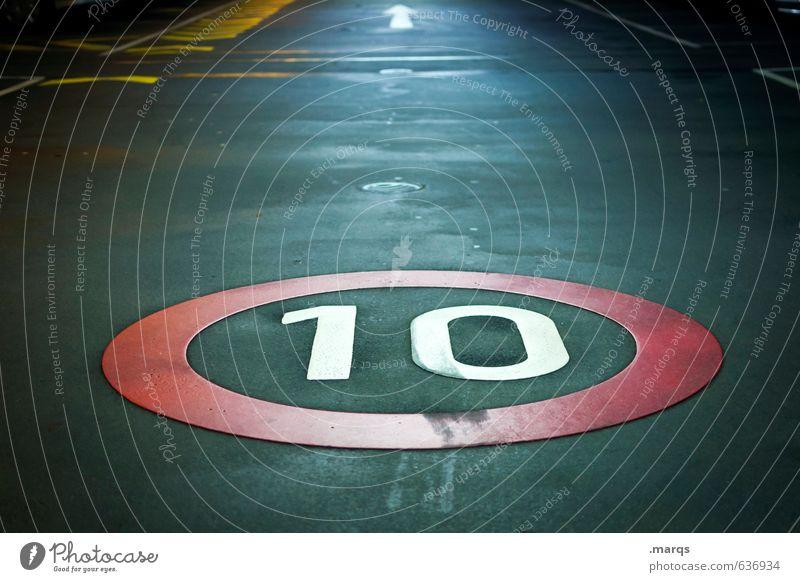 10 Verkehr Verkehrswege Straße Wege & Pfade Verkehrszeichen Verkehrsschild Tiefgarage Zeichen Ziffern & Zahlen Schilder & Markierungen Pfeil fahren dunkel