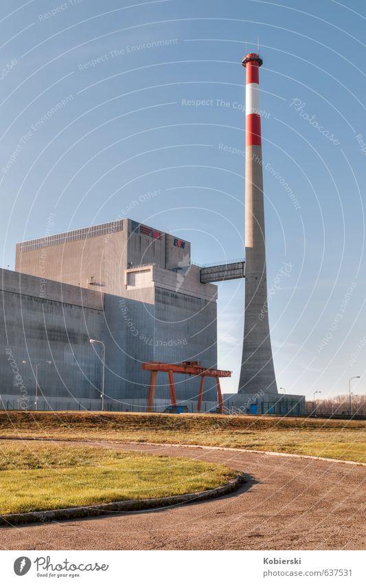 Atomkraftwerk Zwentendorf blau alt Umwelt Architektur grau Angst Beton Energie bedrohlich Stahl Stress Schornstein Umweltschutz Klimawandel stagnierend