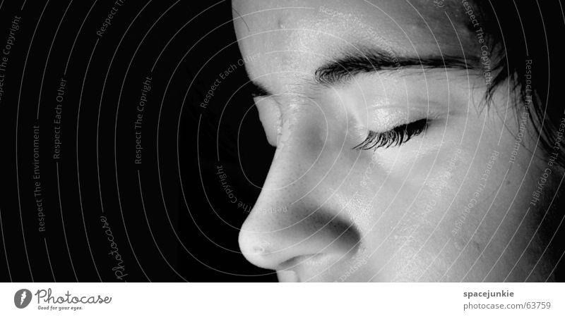 Dreaming of a new update Frau weiß Gesicht schwarz träumen schlafen