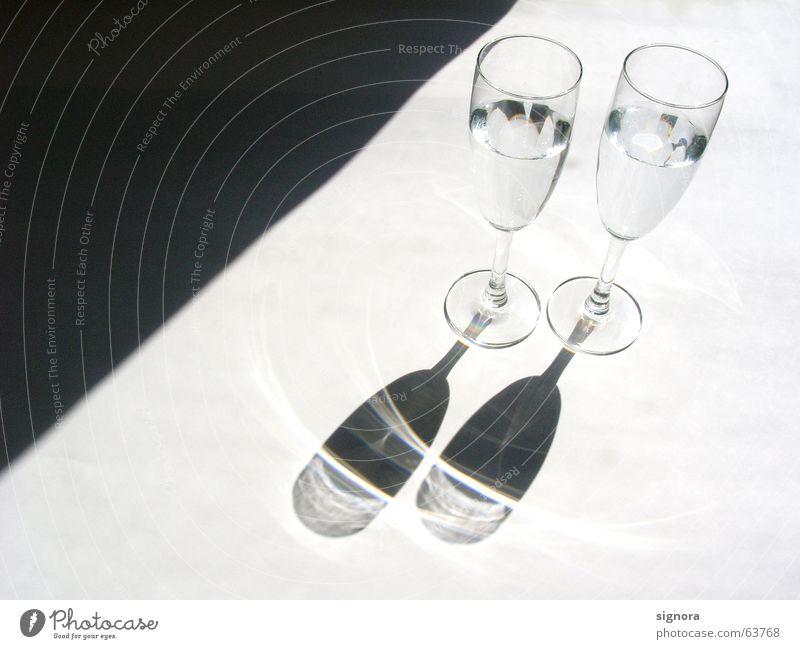 ins rechte Licht gerückt Sommer Sonne Beleuchtung Feste & Feiern 2 glänzend Glas paarweise Sekt Ernährung