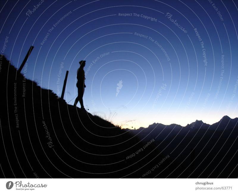 Guten Morgen Frau wandern Berge u. Gebirge